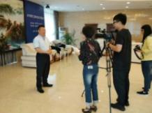 6月11日董事长接受吉林日报新媒体采访,讨论非公组织党建工作。