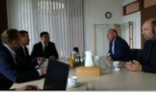 6月14日参观完莱茵集团新开发项目后,董事长拜访劳恩海姆市,市长托马斯先生接待。